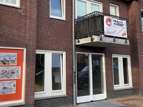Van Eck Trappen & Kozijnen | Opdracht met 'pitt'