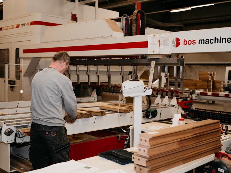 van-eck-trappen-en-kozijnen-onze-werkplaats-fabriek